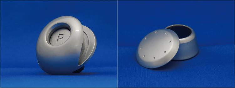 写真1.NANOCON® MIC 自動車内装部品の用途例(シフトレバー部品)